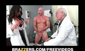Beautiful doctor's assistant destiny dixon copulates her hung patient