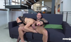 Raven-haired slut wakes and fucks her cocky boyfriend